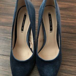 Zara blue velvet heels size 37